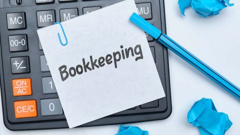 hiring-a-women-by-young-manager